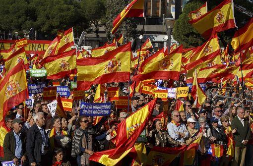 Madrid: Tausende Menschen demonstrieren für Einheit