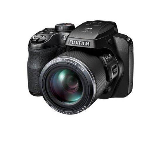 Kraftpakete – Die FinePix S9900W und S9800