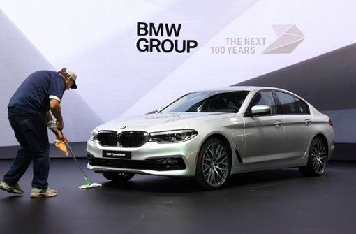 BMW sitzt Daimler im Nacken