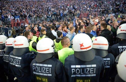 Tausend Polizisten bei Hochrisikospiel