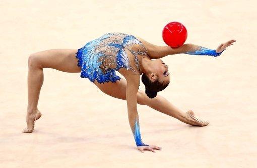 Bereit für die Weltmeisterschaft in der Rhythmischen Sportgymnastik: Die Fellbacherin Jana Berezko-Marggrander – zum spontanen Nachahmen eher ungeeignet Foto: Getty