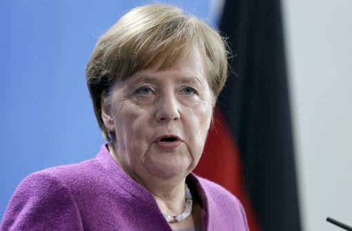Angela Merkel widerspricht Horst Seehofer