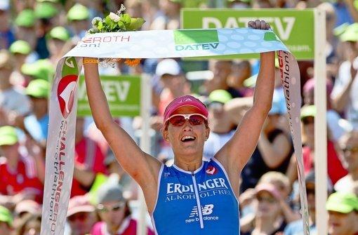 Die in Hirshclanden lebende Julia Gajer ist beim Langdistanz-Triathlon in Roth auf Rang drei die schnellste Deutsche. Foto: dpa