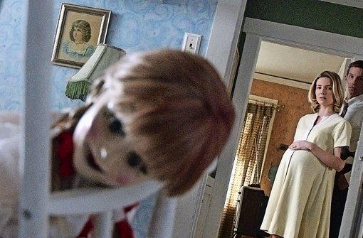"""In dieser Puppe steckt noch etwas anderes: Szene aus """"Annabelle"""" - mehr Bilder aus dem Film finden Sie in unserer Bildergalerie! Foto: Verleih"""
