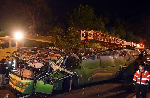 Ermittlungen nach Unfall mit 33 Toten beginnen