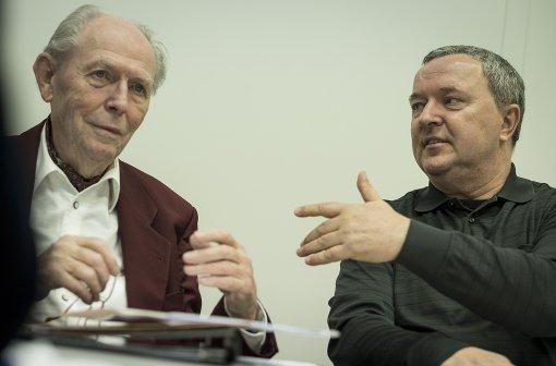 Gerhard Heimerl und Klaus Amler (von links) im InterviewEin  Zug  fährt im Stuttgarter Norden  auf der Gäubahnstrecke, die nach der Inbetriebnahme des neuen Bahnknotens Stuttgart für die Gäubahnzüge nicht mehr gebraucht wird... Foto: Lichtgut/Leif Piechowski