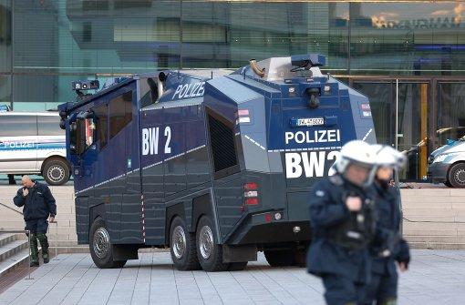 Die Polizei ist für ihren Einsatz gerüstet Foto: 7aktuell.de/Heckel