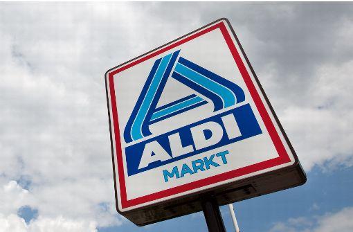 Verbraucherschützer: Aldi sperrt Flüchtlinge bei Mobilfunkangebot aus