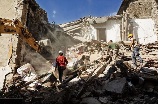 Starke Erdbeben erschüttern Mittelitalien