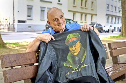 Die Lederjacke mit dem Roten Baron hat selbst eine eigene Geschichte. Foto: Lg/Kovalenko