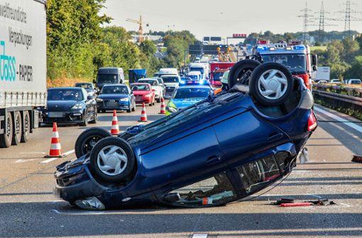 Unfall fordert zwei Leichtverletzte und Stau