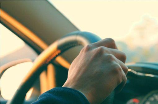 Ein KfZ-Versicherungswechsel muss gut geplant sein. Foto: Glomex