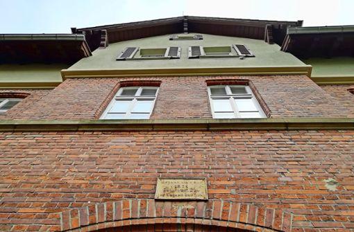 Die SWSG prüft laut der  Stadt in einer Machbarkeitsstudie, ob dieses Gebäude an der  Großen Falterstraße 20 erhalten werden kann. Foto: Ralf Recklies