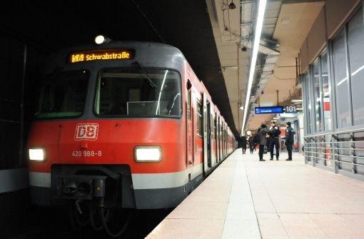 Wie soll im Notfall die Umleitung der S-Bahnen nach Fertigstellung des Tiefbahnhofs Stuttgart21 bewerkstelligt werden? Uneinigkeit herrscht auch weiterhin. Foto: Michele Danze