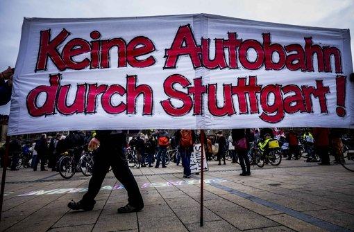Rund 220 Menschen protestierten gegen den Feinstaub in Stuttgart. Foto: Lichtgut/Max Kovalenko
