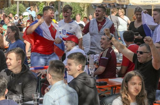 Schon 15.000 Menschen feierten ihre Teams beim Public Viewing in Sindelfingen. Foto: factum/Bach