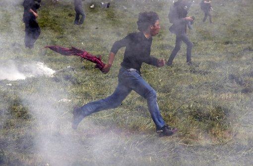 Wieder Tränengas gegen Flüchtlinge