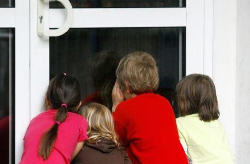 Ein vierjähriges Kind drückt in Ohmden im Kreis Esslingen auf den Türöffner und lässt so einen Dieb ins Haus (Symbolbild). Foto: dpa