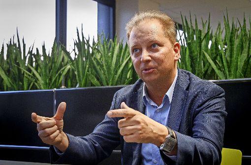 """""""Ich möchte, dass unsere Autos Sie kennen und wissen, welche Informationen Sie benötigen"""", sagt Thilo Koslowski. Foto: factum/Granville"""