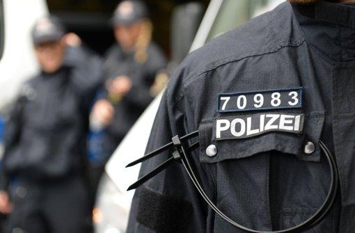 In Rheinland-Pfalz bereits üblich: Nummern für Polizisten geschlossener Einheiten Foto: dpa