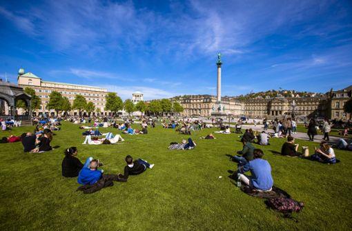 Der Stuttgarter Schlossplatz im Sommer. Die Landeshauptstadt hat sich als zweitteuerste Stadt der Republik etabliert. Inzwischen kostet eine Neubauwohnung hier 6485 Euro pro Quadratmeter. Foto: Lichtgut/Leif Piechowski
