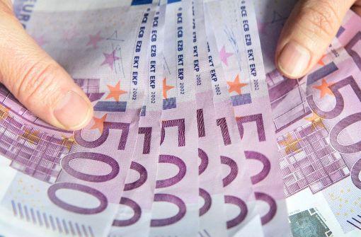 Bargeld-Betrüger legt sich selbst herein