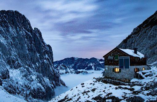 Abendstimmung bei der Fritz-Pflaum-Hütte im Kaisergebirge. Einstellungen: 24mm(Canon EF 24-70mm f/4 L), 30 Sek @ f7.1, ISO 500. Foto: Julian Wenzel