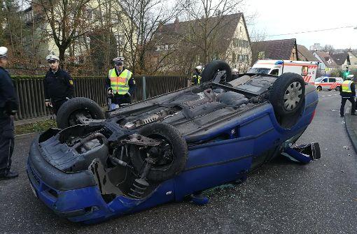 Zu einem spektakulären Unfall kam es am Mittwoch in Stuttgart-Mühlhausen. Foto: 7aktuell.de/Frank Herlinger