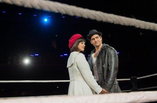 """Nikolas Heiber  und Lucy Scherer in der Stuttgarter Produktion von """"Rocky"""" Foto: dpa Foto:"""
