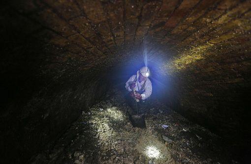 Das jetzt von Kanalarbeitern bei Routinekontrollen entdeckte Monstrum blockiert ein Abwasserrohr aus der viktorianischen Ära (ab Mitte des 19. Jahrhunderts) im Osten Londons. Foto: AFP