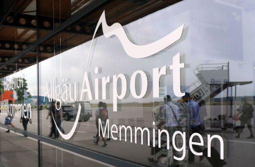 Polizei schnappt etliche Schulschwänzer am Flughafen