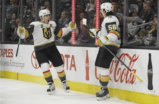Die Stürmer David Perron (links) und Erik Haula spielen im Trikot der Vegas Golden Knights die Saison ihres Lebens. Foto: dpa