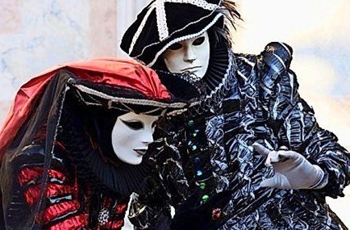 Fotos zeigen bunten Karneval in Venedig