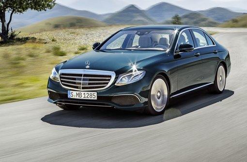 Die neue E-Klasse fährt streckenweise fast von alleine Foto: Daimler