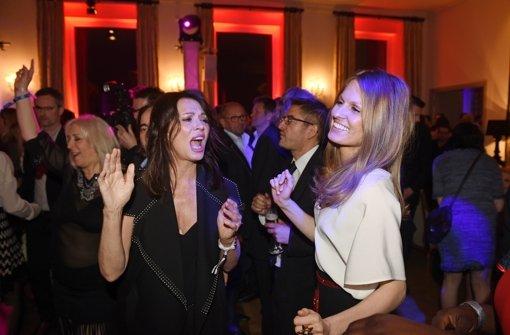 """Auf der """"Bunte und BMW Festival Party"""" in der spanischen Botschaft gab es für die Ladies endlich mal ordentlich was zu gucken... Foto: dpa"""