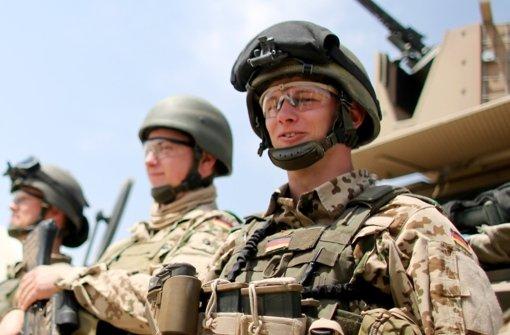 Nach Angaben der Bundeswehr befindet sich kein deutscher Soldat in den Kampfgebieten im Irak. Foto: dpa/Pool