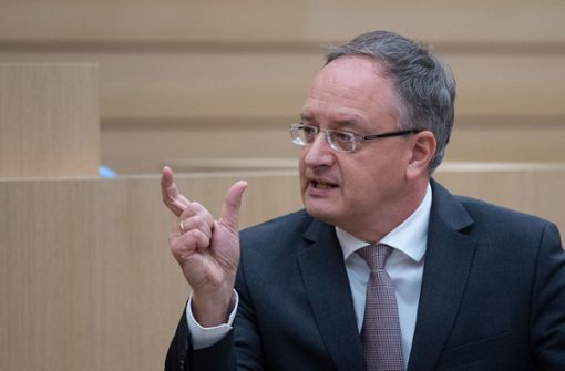 SPD-Fraktionschef erwägt Kandidatur für Parteivorsitz