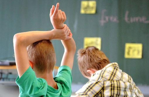 Betrunkene Lehrerin würgt Schüler