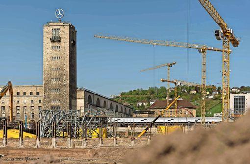 Bahnchef Lutz erntet  viel Kritik für späte Einsicht