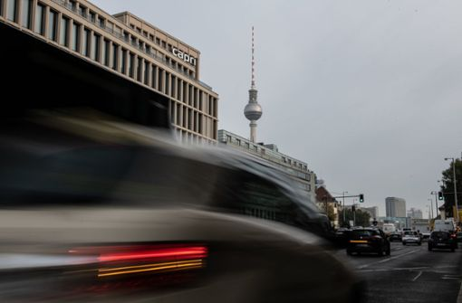 Fast zwanzig Bundestags-Autos drohen Fahrverbote