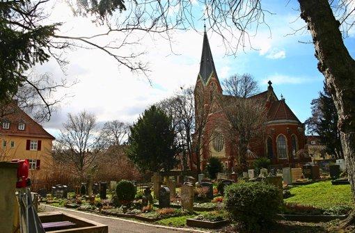 bergfriedhof in s ost im sommer wird bei der lukaskirche gebaut stuttgart ost stuttgarter. Black Bedroom Furniture Sets. Home Design Ideas