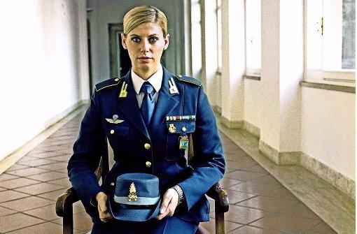 "Timm Rautert, ""Guardia di Finanza"", Appuntato Scelto, aus der Serie Weltraum Foto: Rautert/Galerie  Parrotta"