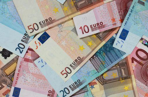 Die Deutschen haben im Schnitt 107 Euro Bargeld im Portemonnaie. Foto: dpa