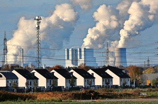 RWE-Kraftwerk bei Düsseldorf – die Meiler fahren immer weniger Gewinne ein Foto: dpa