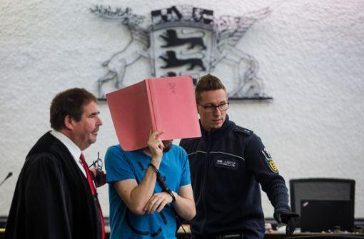 21-Jähriger steht wegen Missbrauchsvorwürfen vor Gericht