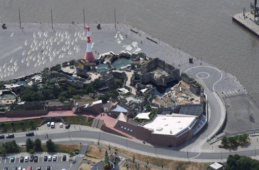 Frau tot in Auto aus Hafenbecken geborgen