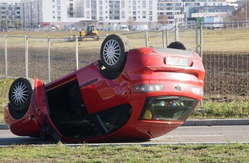 Seat überschlägt sich – Fahrerin leicht verletzt