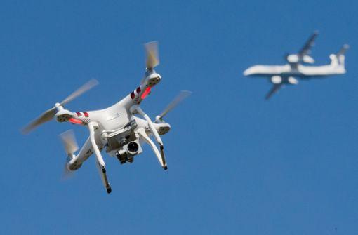 Flughafen Heathrow stoppt nach Drohnen-Sichtung alle Starts