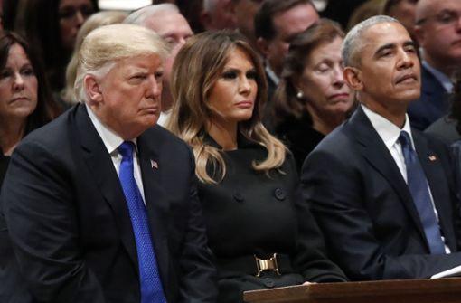 ... dann versank US-Präsident Donald Trump in eisigem Schweigen. Foto: AP