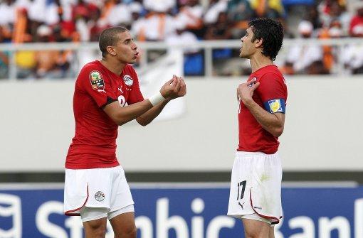 Der Ägypter Ahmed Hassan (rechts) absolvierte bereits 184 Einsätze für seine Nationalelf. Foto: EPA